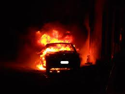 Si indaga sull'auto incendiata di un consigliere comunale di Montella