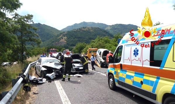 Incidente sull'Ofantina, tre feriti