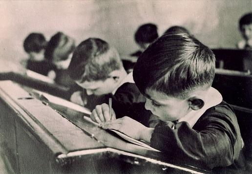 Ricordi: Le scuole a Montella negli anni 45/50/60 (di Nino Tiretta)